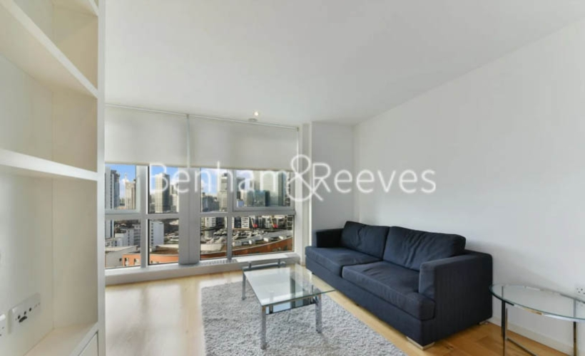 Studio flat to rent in Ontario Tower, Canary Wharf, E14-image 1