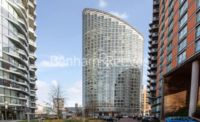 Studio flat to rent in Ontario Tower, Canary Wharf, E14-image 4