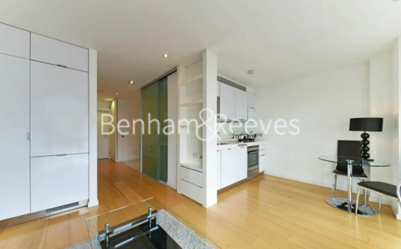 Studio flat to rent in Ontario Tower, Canary Wharf, E14-image 9