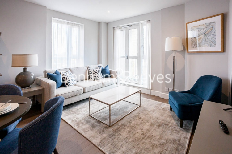 1 bedroom(s) flat to rent in Westferry Circus, Canary Wharf, E14-image 1