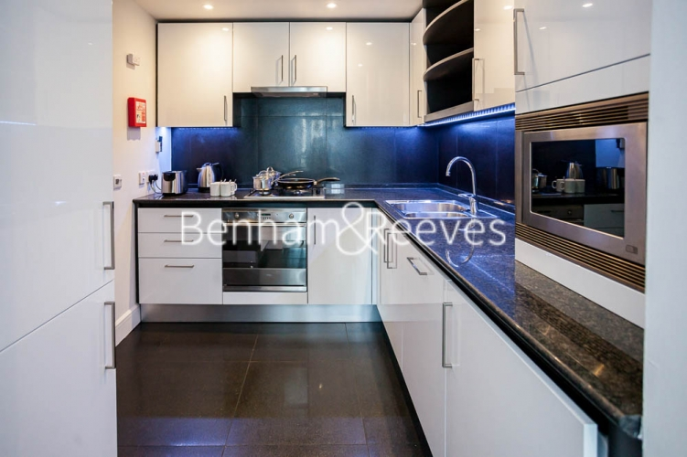 1 bedroom(s) flat to rent in Westferry Circus, Canary Wharf, E14-image 2
