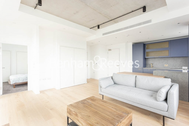 1 bedroom(s) flat to rent in Serapis house, Good Luck Hope, E14-image 1