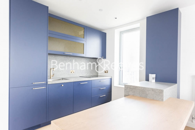1 bedroom(s) flat to rent in Serapis house, Good Luck Hope, E14-image 2