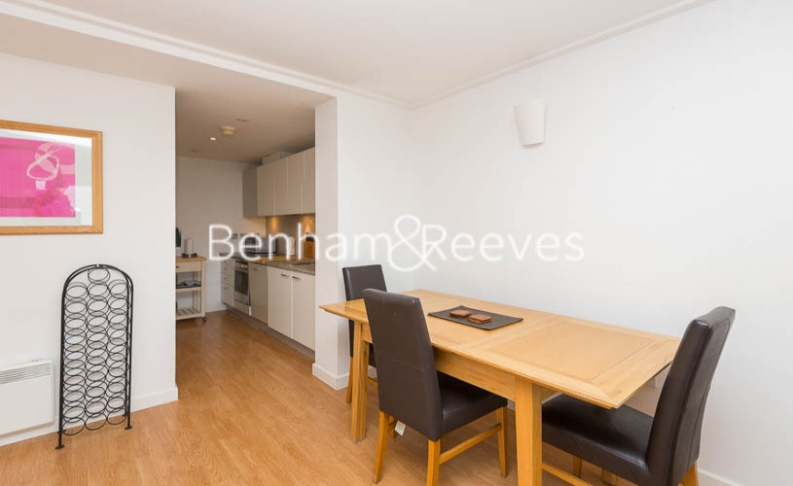 2 bedroom(s) flat to rent in Naxos Building, Canary Wharf, E14-image 3