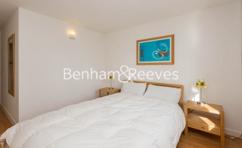 2 bedroom(s) flat to rent in Naxos Building, Canary Wharf, E14-image 4