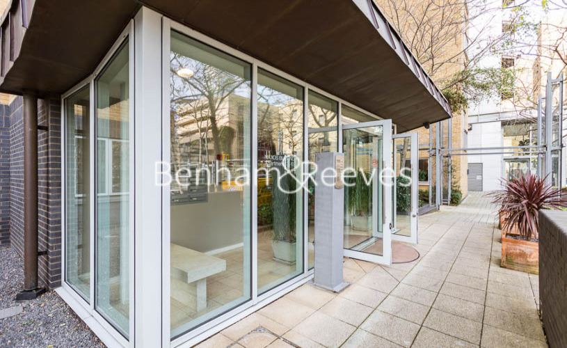 1 bedroom(s) flat to rent in Hutchings Street, Canary Wharf, E14-image 9