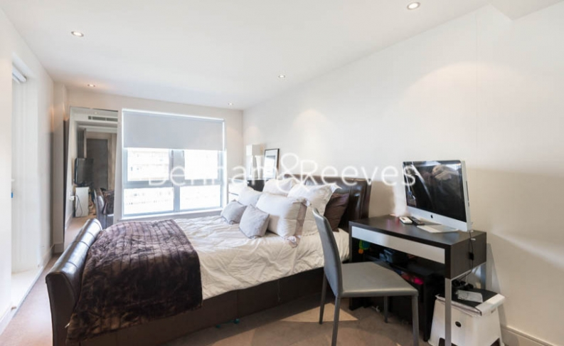 1 bedroom(s) flat to rent in Doulton House, Chelsea Creek, Park Street, SW6-image 3
