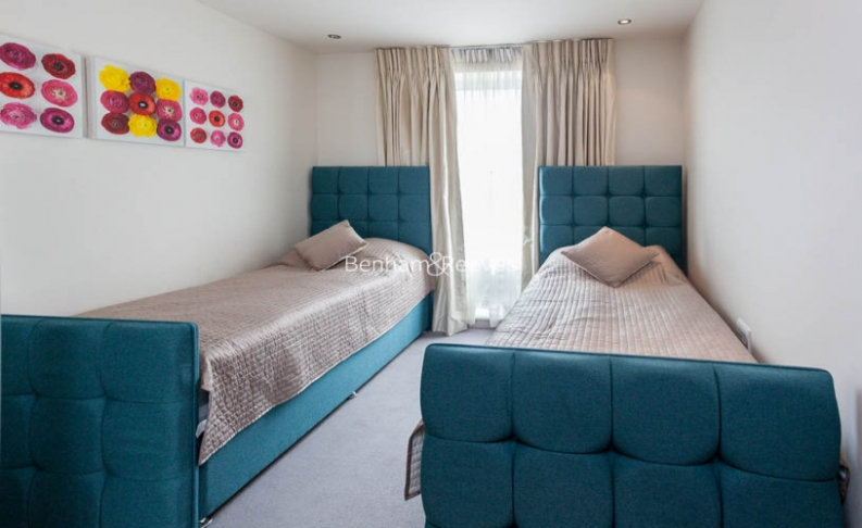 3 bedroom(s) flat to rent in Park Street, Fulham, SW6-image 10