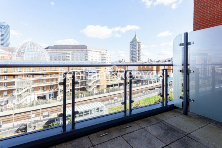 2 bedroom(s) flat to rent in Doulton House,Chelsea Creek,SW6-image 5