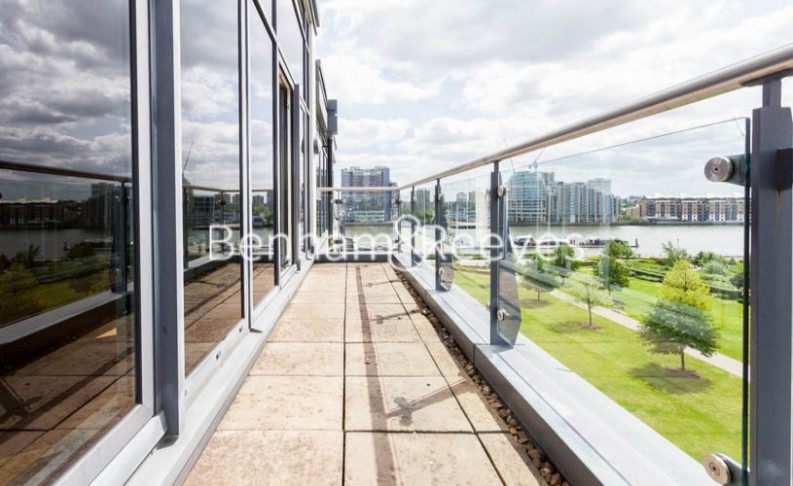 3 bedroom(s) flat to rent in Boxtree House, Imperial Wharf, SW6-image 5