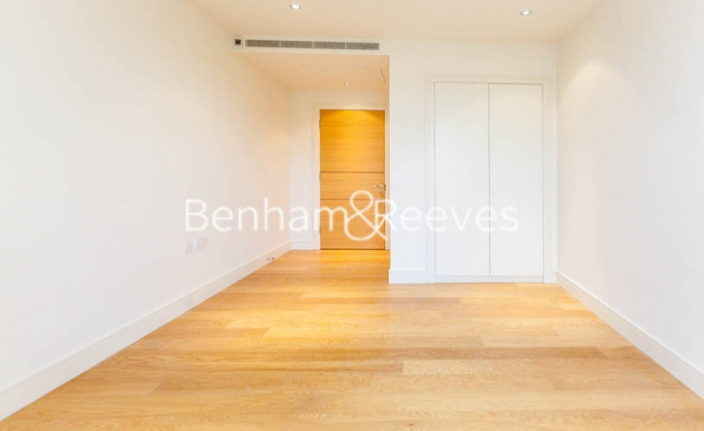 3 bedroom(s) flat to rent in Boxtree House, Imperial Wharf, SW6-image 13