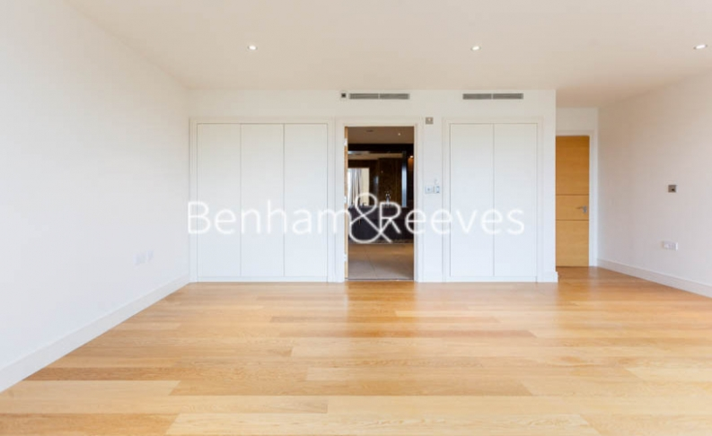 3 bedroom(s) flat to rent in Boxtree House, Imperial Wharf, SW6-image 16