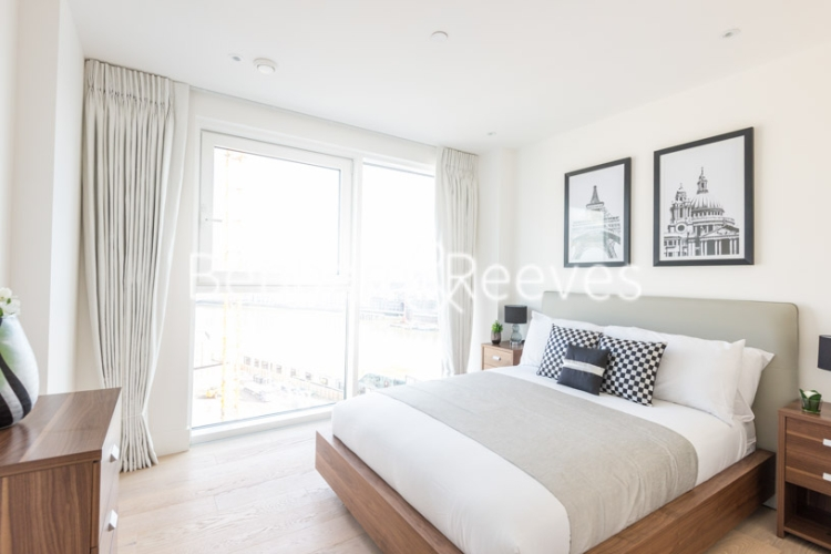 3 bedroom(s) flat to rent in Central Avenue, Fulham, SW6-image 3