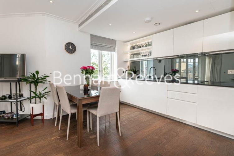 2 bedroom(s) flat to rent in Broomhouse Lane, Fulham, SW6-image 2