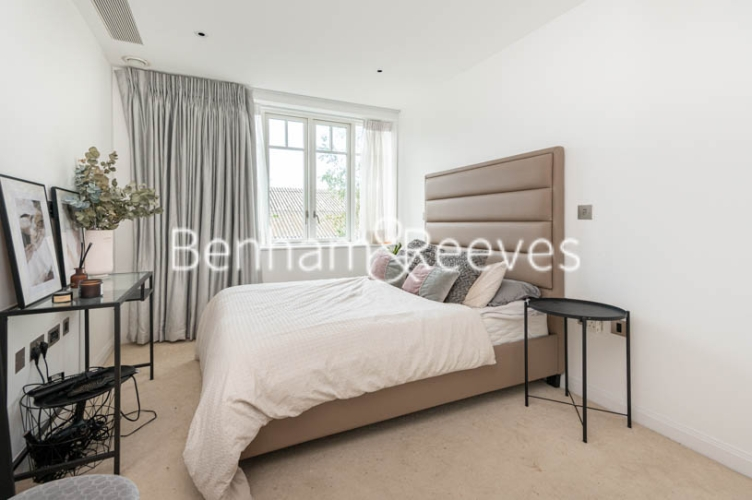 2 bedroom(s) flat to rent in Broomhouse Lane, Fulham, SW6-image 3