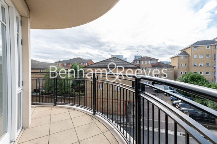 2 bedroom(s) flat to rent in Broomhouse Lane, Fulham, SW6-image 4