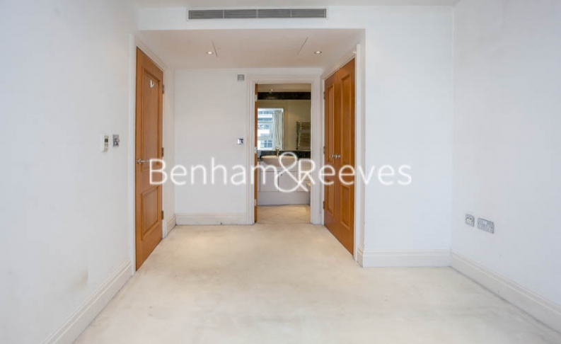 2 bedroom(s) flat to rent in Chelsea Vista, The Boulevard Fulham, SW6-image 9