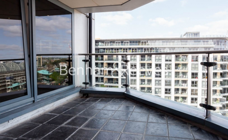 2 bedroom(s) flat to rent in Chelsea Vista, The Boulevard Fulham, SW6-image 11