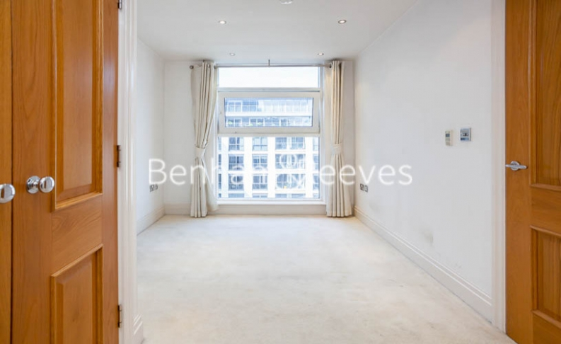 2 bedroom(s) flat to rent in Chelsea Vista, The Boulevard Fulham, SW6-image 13