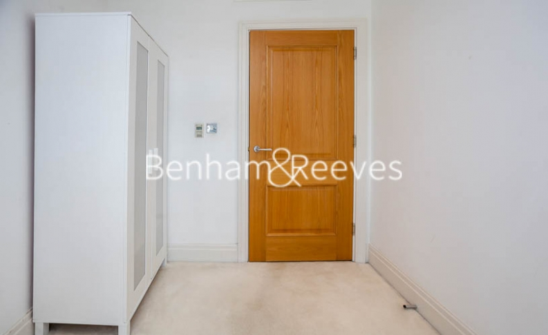 2 bedroom(s) flat to rent in Chelsea Vista, The Boulevard Fulham, SW6-image 17