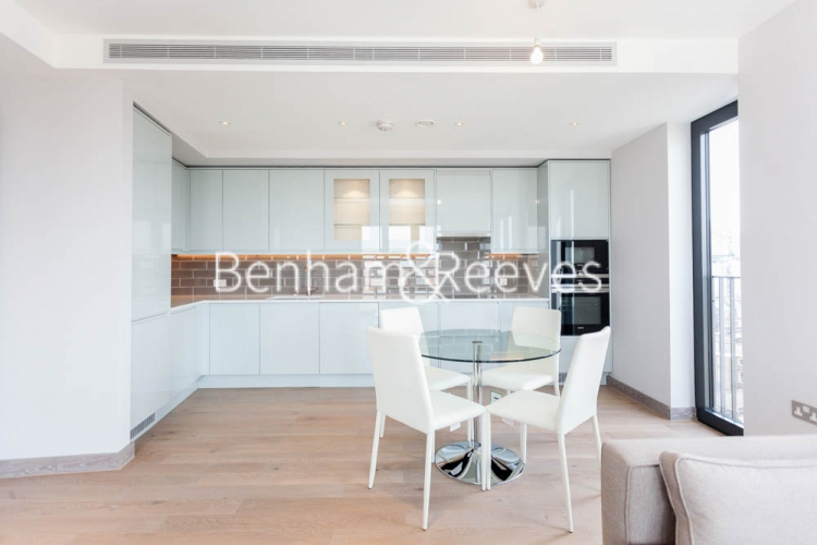 3 bedroom(s) flat to rent in Cummings House, Wandsworth, SW18-image 2