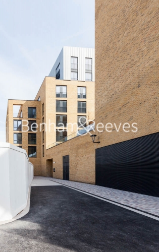 3 bedroom(s) flat to rent in Cummings House, Wandsworth, SW18-image 5