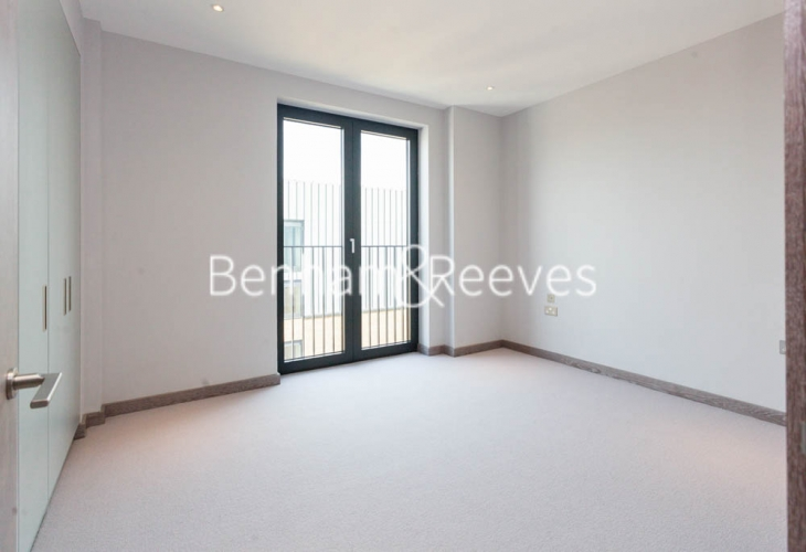 3 bedroom(s) flat to rent in Cummings House, Wandsworth, SW18-image 14