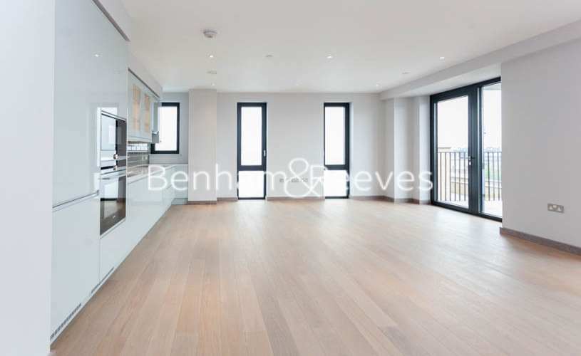 3 bedroom(s) flat to rent in Ram Quarter, Wandsworth, SW18-image 1