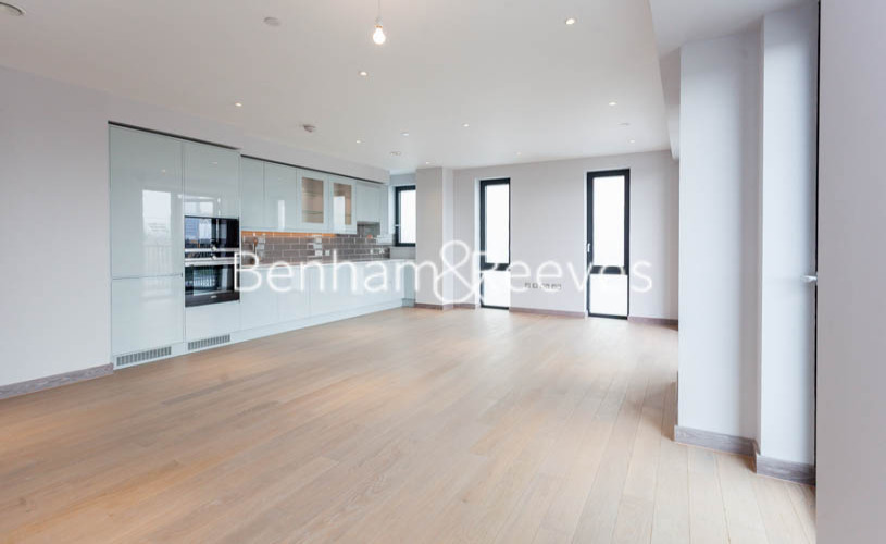 3 bedroom(s) flat to rent in Ram Quarter, Wandsworth, SW18-image 13