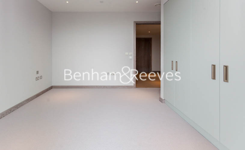 3 bedroom(s) flat to rent in Ram Quarter, Wandsworth, SW18-image 16