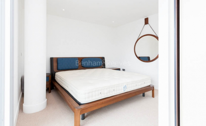 3 bedroom(s) flat to rent in Central Avenue, Fulham Riverside, SW6-image 3