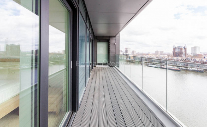 3 bedroom(s) flat to rent in Central Avenue, Fulham Riverside, SW6-image 11