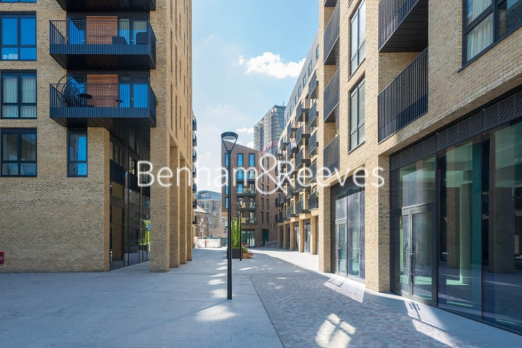 3 bedroom(s) flat to rent in Chivers Passage, Imperial Wharf, SW18-image 5