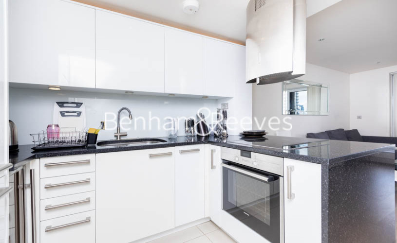 1 bedroom(s) flat to rent in Townmead Road,Fulham ,SW6-image 2