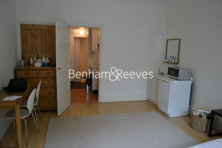Studio flat to rent in Cholmeley Park, Highgate, N6-image 1