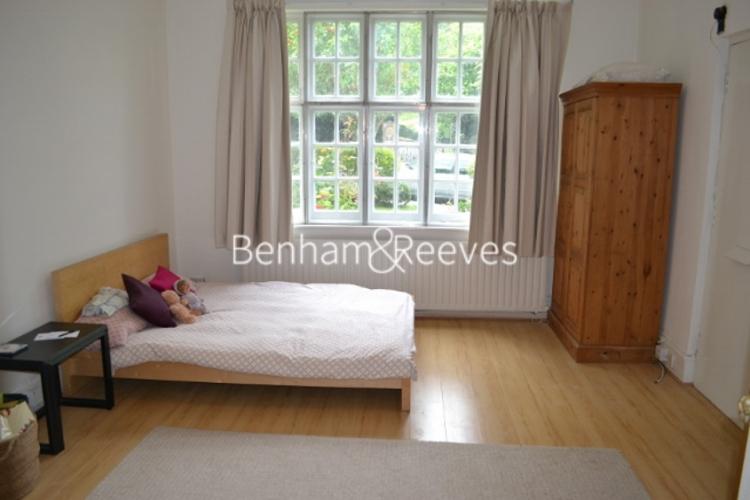 Studio flat to rent in Cholmeley Park, Highgate, N6-image 3