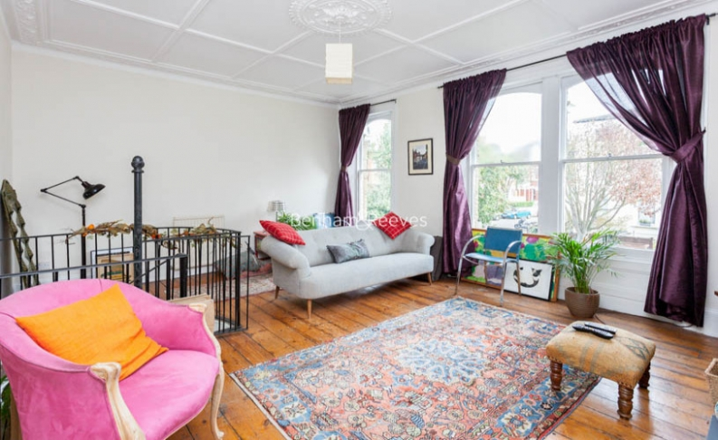 2 bedroom(s) flat to rent in Miranda Road, Whitehall Park, N19-image 1