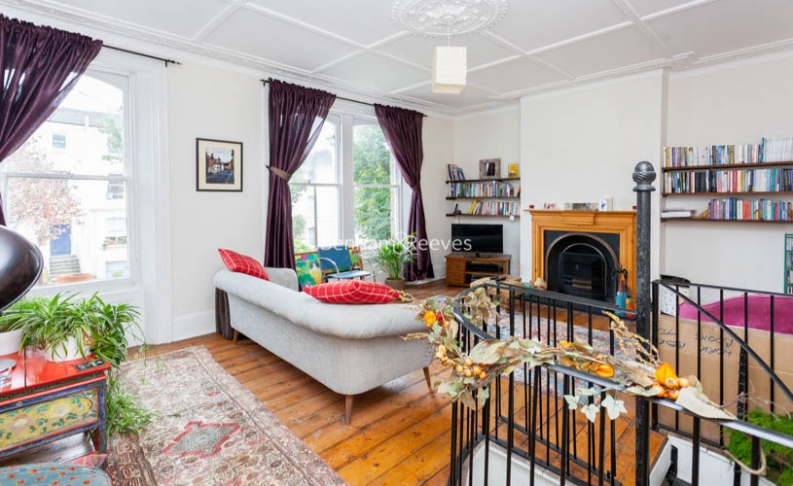 2 bedroom(s) flat to rent in Miranda Road, Whitehall Park, N19-image 2