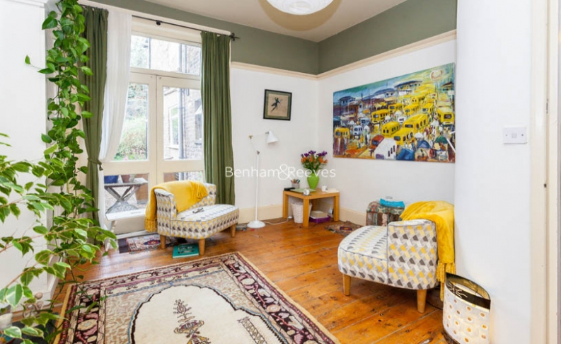 2 bedroom(s) flat to rent in Miranda Road, Whitehall Park, N19-image 6