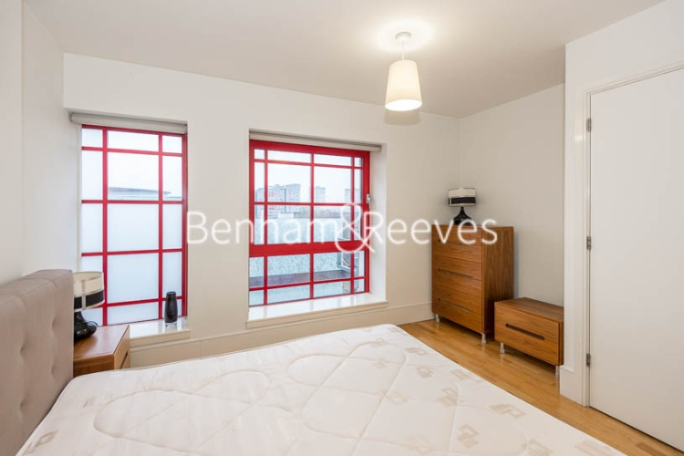 1 bedroom(s) flat to rent in Highbury Stadium Square, Highbury, N5-image 7