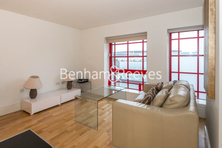 1 bedroom(s) flat to rent in Highbury Stadium Square, Highbury, N5-image 8