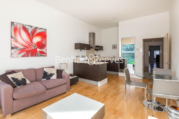 1 bedroom(s) flat to rent in Highbury Stadium Square, Highbury, N5-image 1