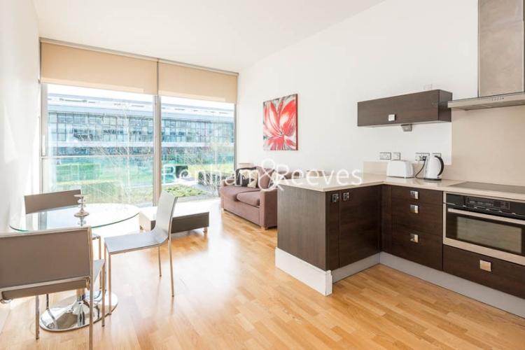 1 bedroom(s) flat to rent in Highbury Stadium Square, Highbury, N5-image 7