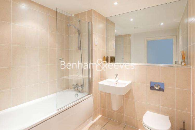 1 bedroom(s) flat to rent in Highbury Stadium Square, Highbury, N5-image 9