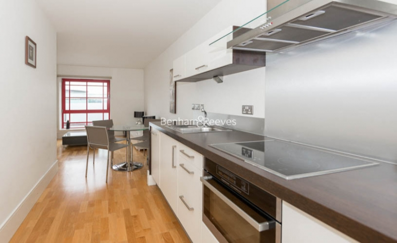 1 bedroom(s) flat to rent in West Stand Apartments, Highbury Stadium Square, N5-image 3
