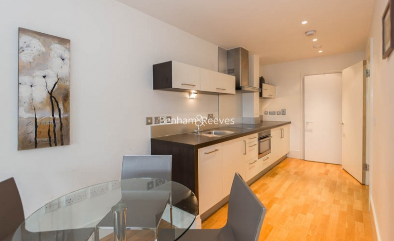 1 bedroom(s) flat to rent in West Stand Apartments, Highbury Stadium Square, N5-image 4