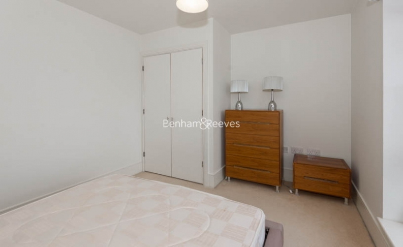 1 bedroom(s) flat to rent in West Stand Apartments, Highbury Stadium Square, N5-image 6