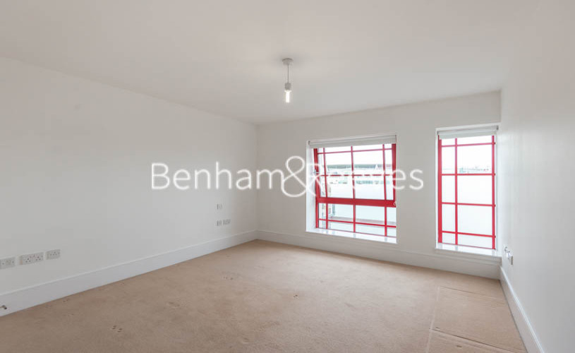 1 bedroom(s) flat to rent in Highbury Stadium Square, Highbury, N5-image 6