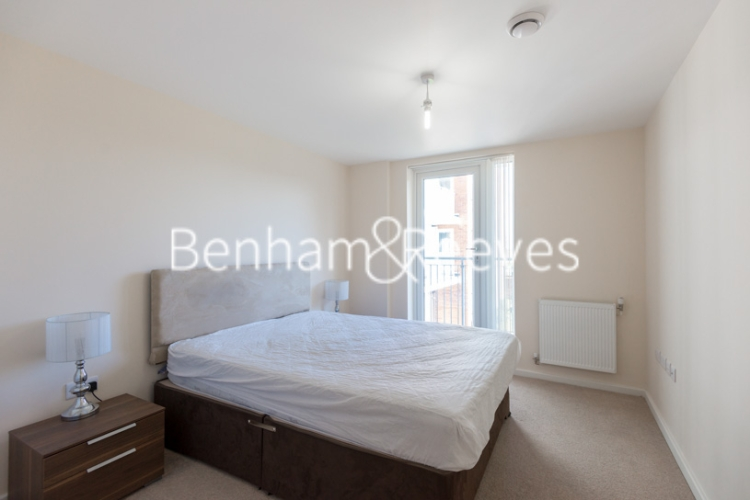 1 bedroom(s) flat to rent in Lankaster Gardens, Highgate, N2-image 3