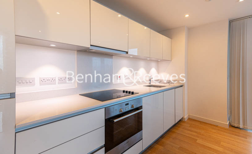 1 bedroom(s) flat to rent in Woodberry Park, Finsbury Park, N4-image 2